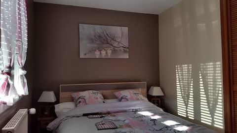 """La chambre d'hôtes """"Côté Voirons""""  (lit 2 personnes)"""
