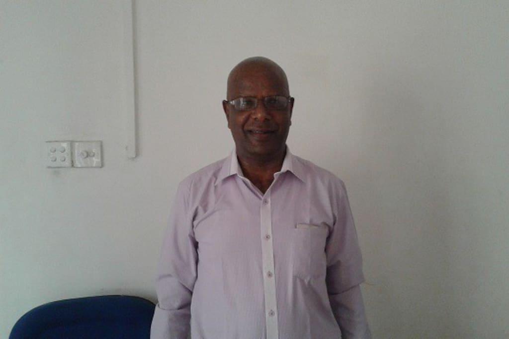 meet Gandhi the manager