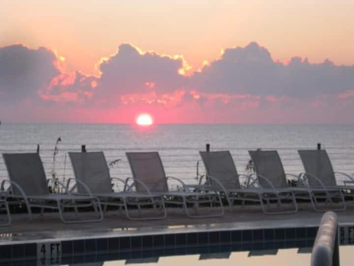 Villa in Tropical Paradise in Sea Oaks, Vero Beach