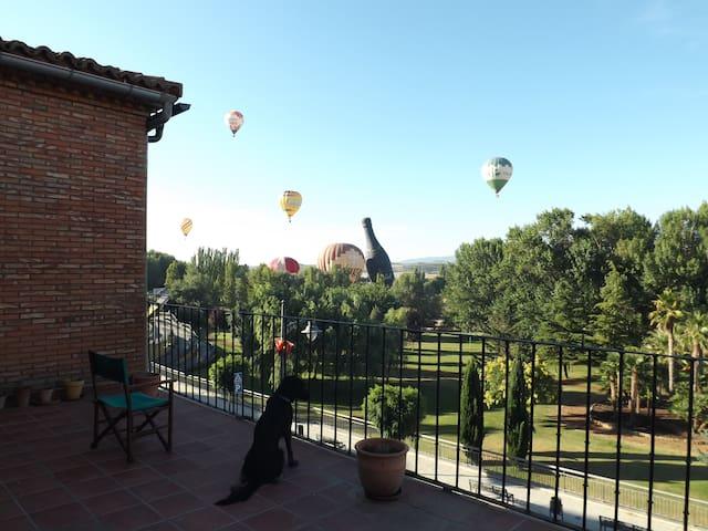 Habitación grande con preciosas vistas - Calahorra - Casa