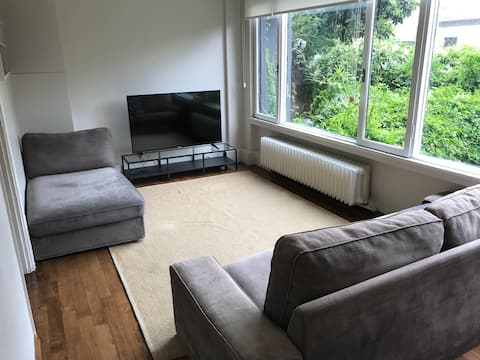 Cosy Apartment in Arnavutköy with Parking/Garden