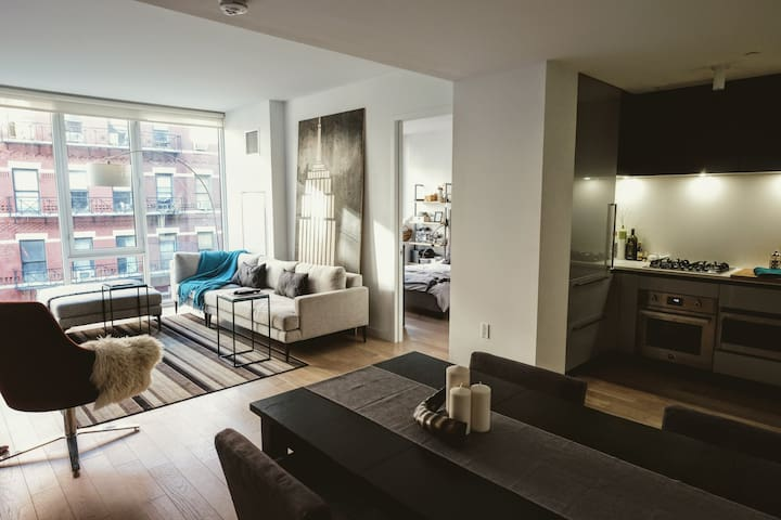 Bedroom (KING) & private bath - Brand New & Modern - New York - Appartement en résidence