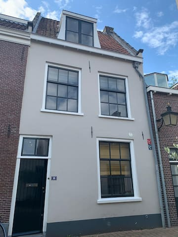 City Center town house full with charm