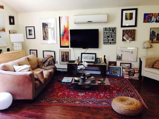 Cozy, elegant comfortable studio for 4, escape !!