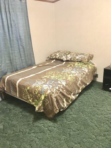 3rd bedroom full bed