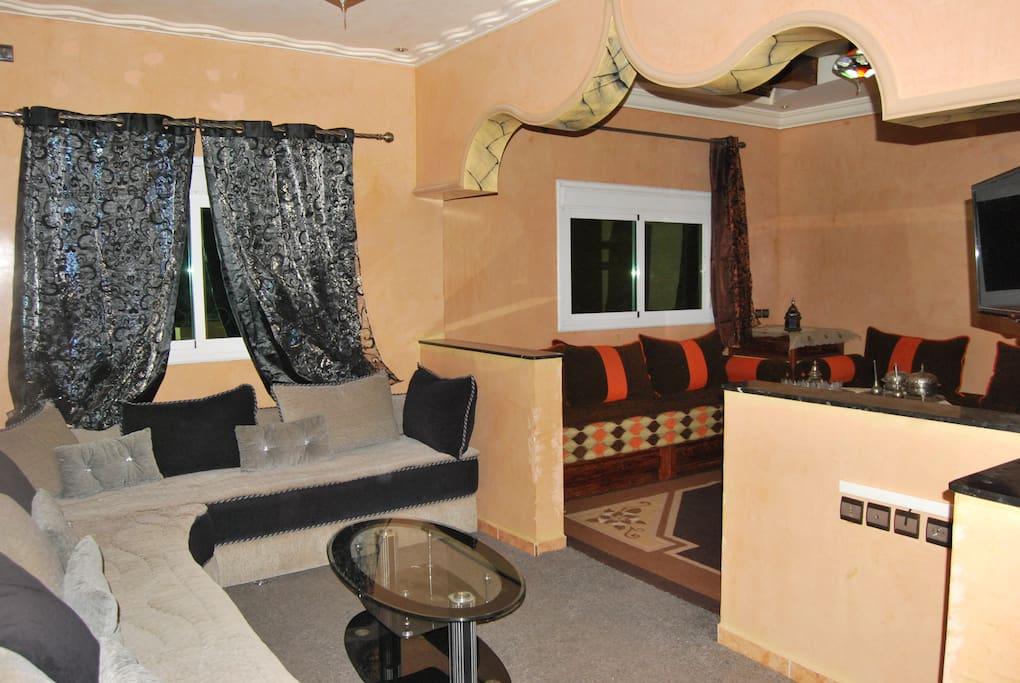 Deux Salon