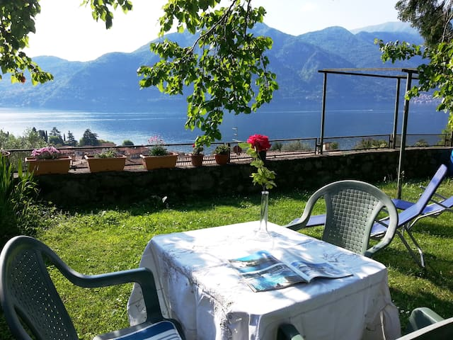 The lake of Como-beautiful view on the lake2/4 p. - Azzano - Lejlighed