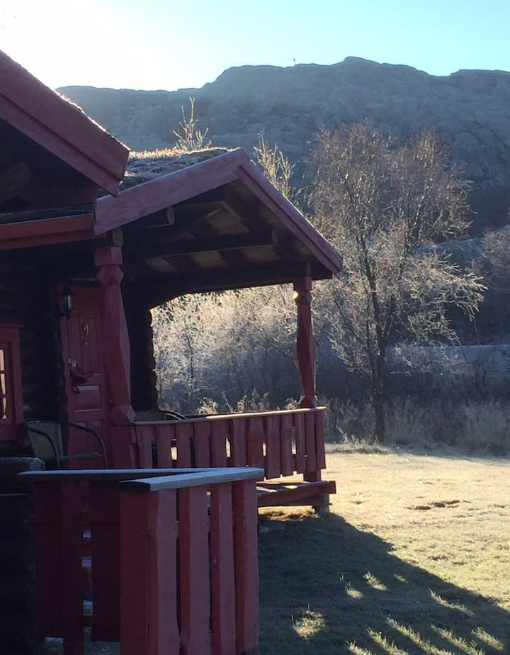 Grasbakken hytteutleie. Tømmerhytte med sauna