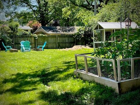 The Burrow: A HOF Garden Apartment