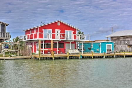 Waterfront 3BR Rockport House w/ Hot Tub - Rockport - Talo