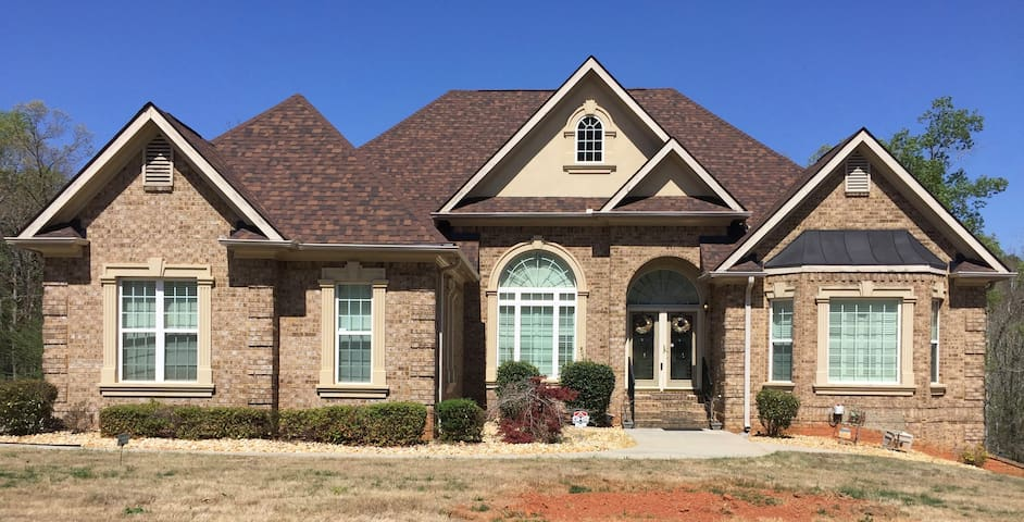 Awesome 3BR Basement Apartment with Privacy - Conyers - Suite tamu