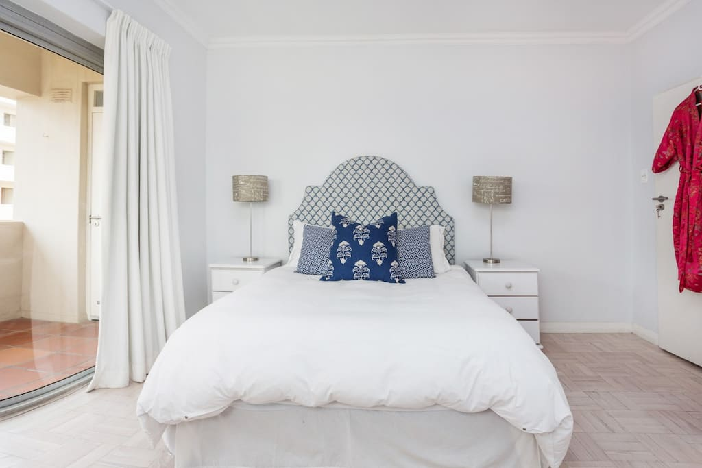 Main bedroom with queen size bed.