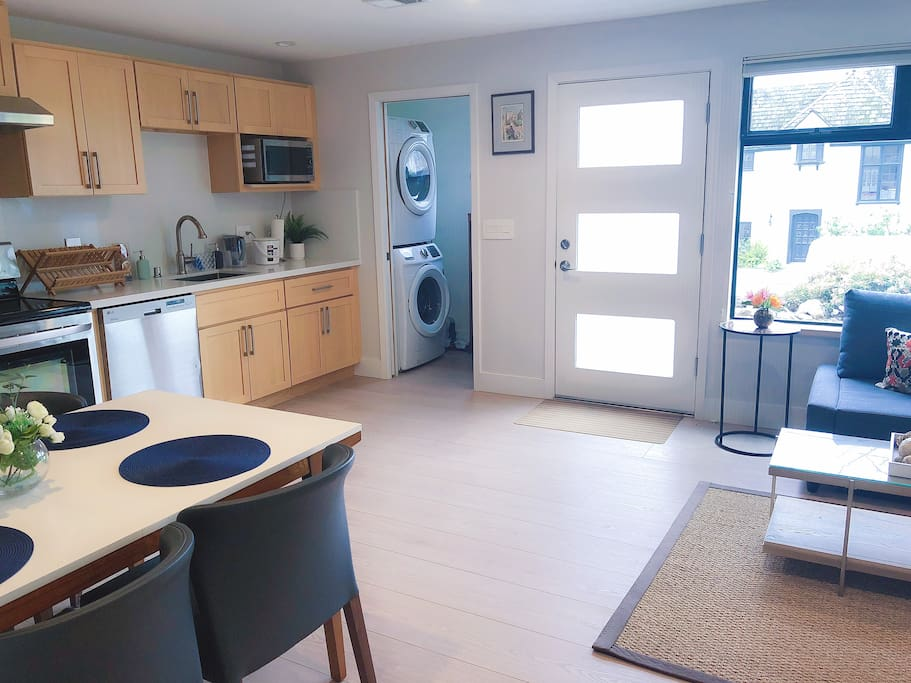 Open floor plan with laundry room