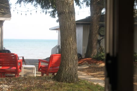 Beachcomber Cottage on Lake Huron