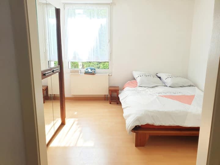 Belle chambre privée d'hôte proche centre ville