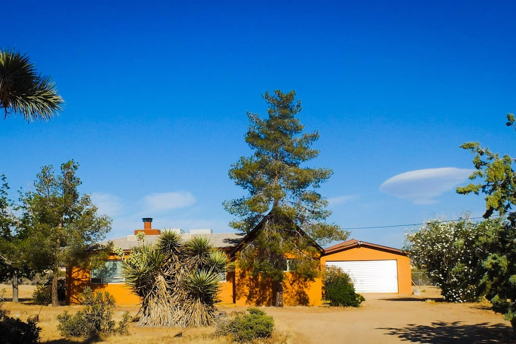 Large Home on the Mesa. Two Bed. 2 bath. Super private. Secluded