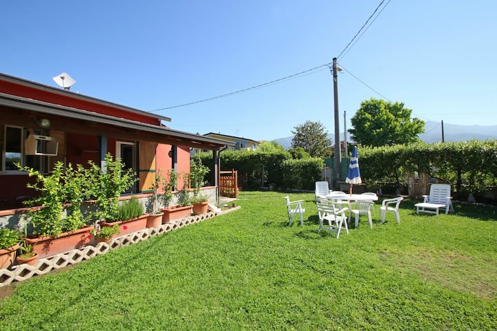 Utopia - House at 1,4Km from the Sea for 5 People with Garden