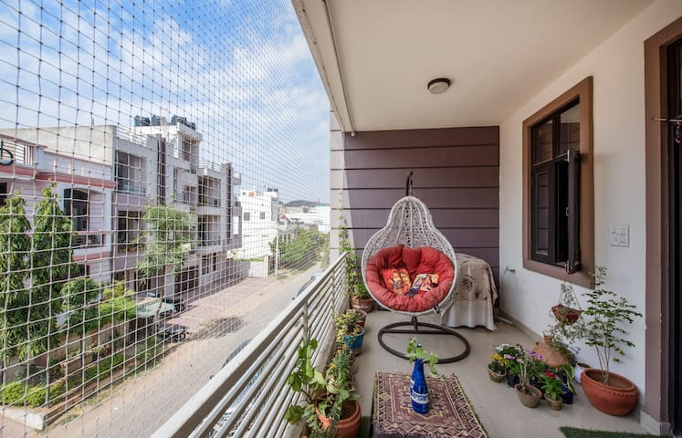 Artistic Flat in Jagatpura with Homely Comfort - Jagatpura - Apartment