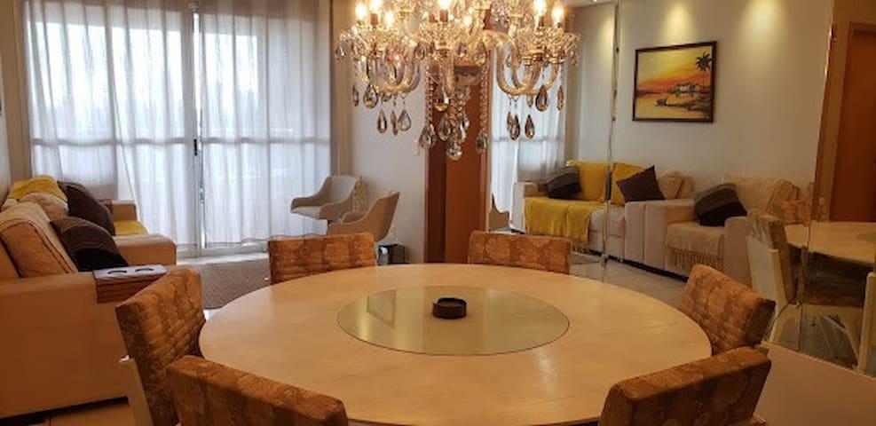 Apartamento Inteiro área NOBRE,Compartilhado!!