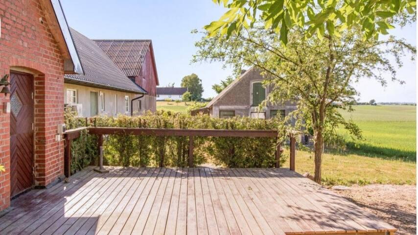 Huset på backen med närhet till Ystad