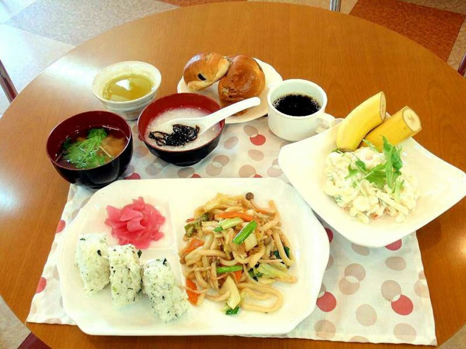 無料和洋朝食 Free Breakfast of Japanese & Western