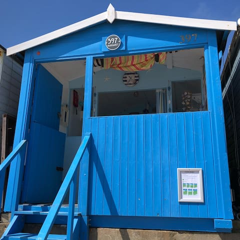 Beach Hut: Walton on the Naze, 397 Eastcliff Beach