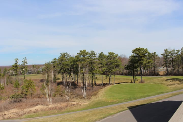 Pocono Townhouse, Close to All and All Are Welcome - Long Pond - Stadswoning