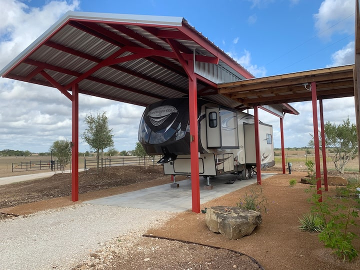 Fussy Hen Ranch - Camper