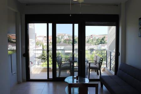 Апартаменты с большой верандой с видом на море 33 - Nea Fokea