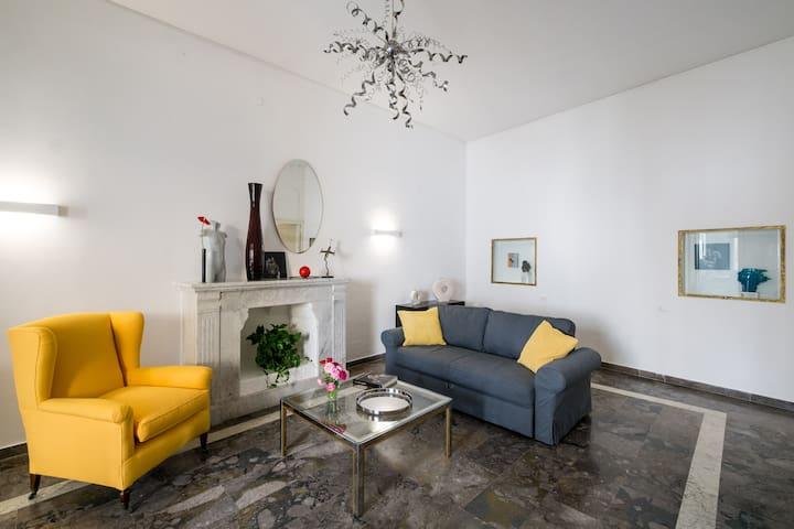 Elegant apartment with cozy terrace