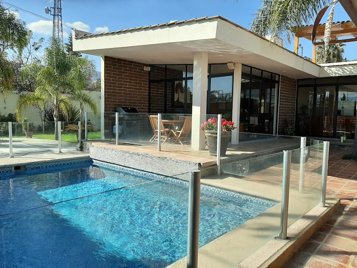 Casa de fin de semana con alberca y gran terraza