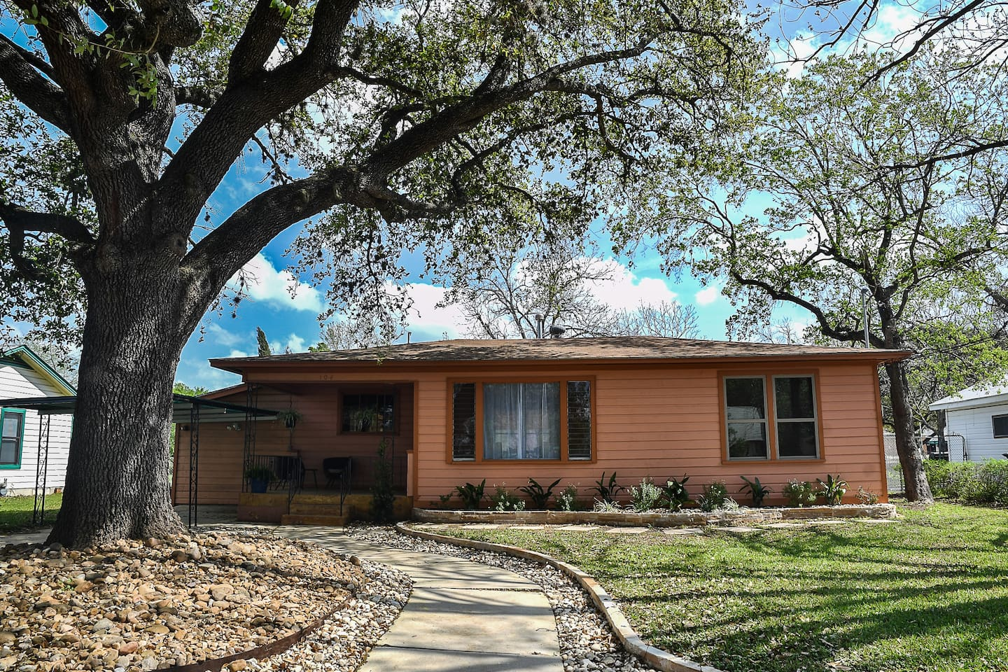 rockabye river casita downtown san marcos tx houses for rent in