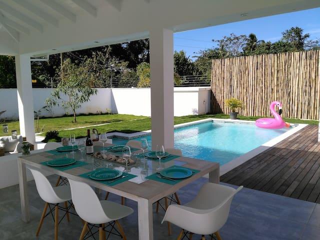 Villa Riviera, proche de la plage et du village