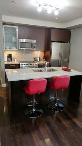 Quest Condo, walking distance to Rogers Place - Edmonton - Huoneisto