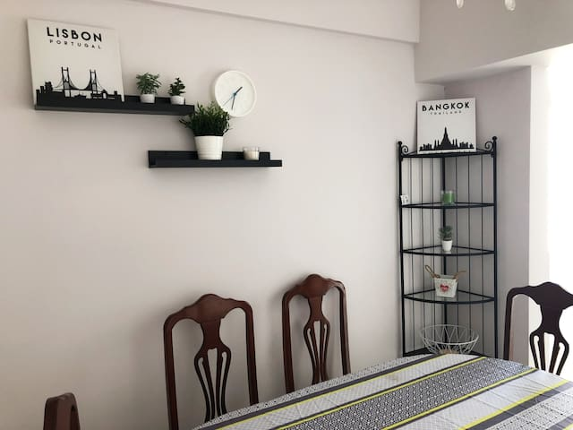 Huge modern apartment, 10min from the sea