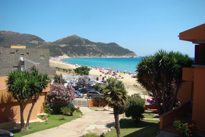 NICE FLAT WITH SEAVIEW - Solanas