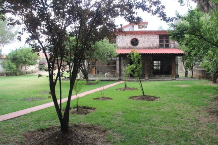 Beautiful Country House Downtown Huasca