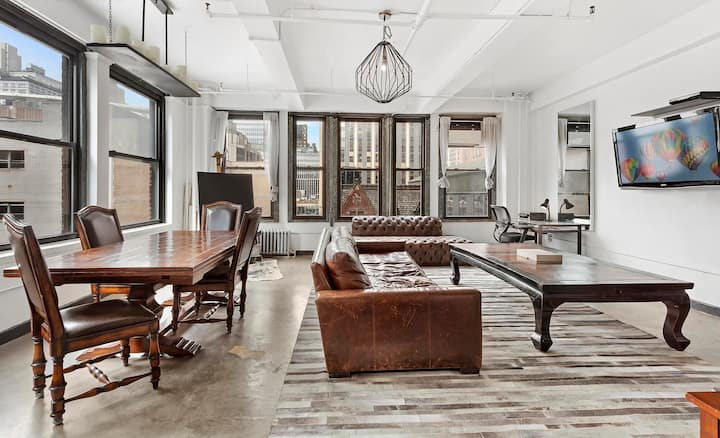 Lots of Space! Private Bdrm in a Huge CHELSEA Loft