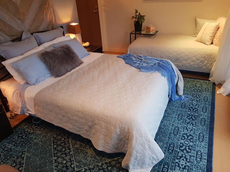 Comfy Queen Size bed with toppers, electric blankets and plush Fiona,  relaxing sleep , yes!