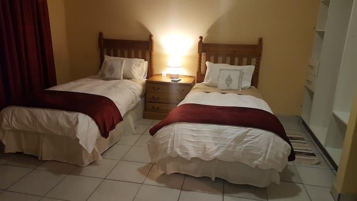 Sizobonga house - livivane room