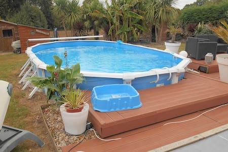 Agréable maison avec piscine - Sulniac