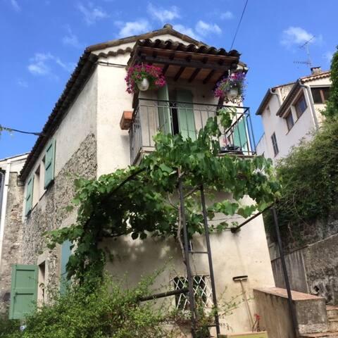 Charmante maison en plein coeur du village