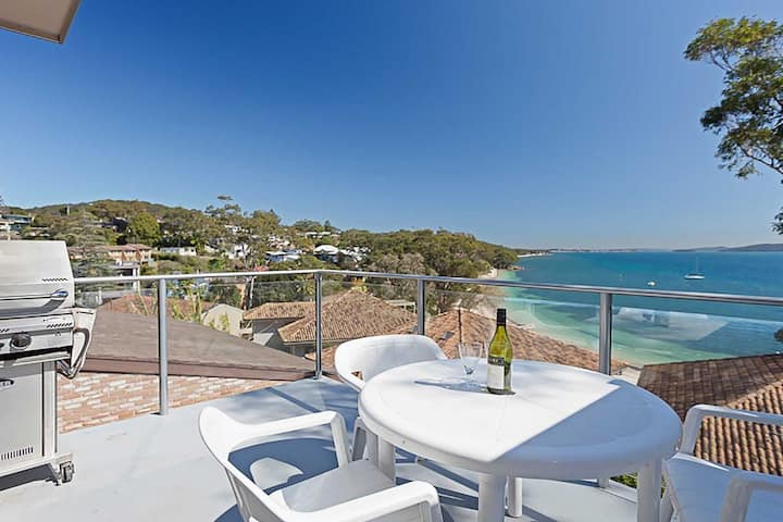 Sebastapol, 3/66 Thurlow Avenue - gorgeous unit overlooking Dutchies Beach