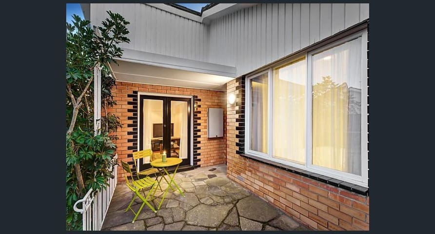 Beautiful sunny vibrant living near Melbourne CBD - Glen Iris - 別荘