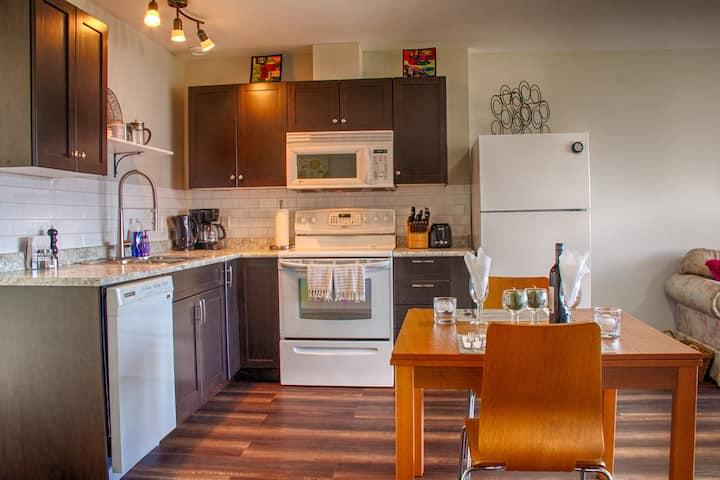 Naramata Suite-kitchen-bedroom-lake view-BBQ-patio