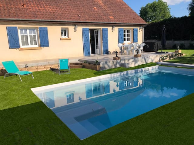 Maison privative 5 Ch. 12 Pers. Piscine chauffée