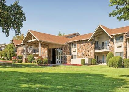 TIMESHARE 1 B/R Condo at Wyndham Resort, Afton OK - 雅富顿(Afton) - 公寓