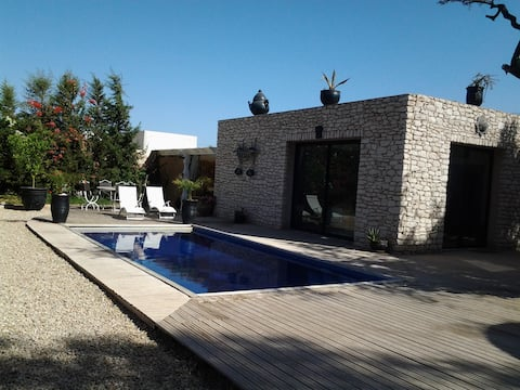 Aangename villa met eigen verwarmd zwembad