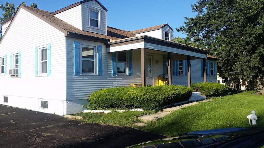 Home in Roselle - Roselle