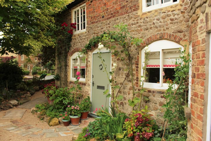 Little Lodge- Romantic rural escapes for two! - North Yorkshire